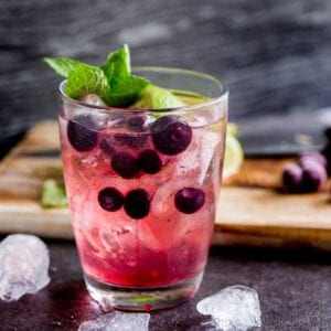 Blue berry gin & tonic Cocktail